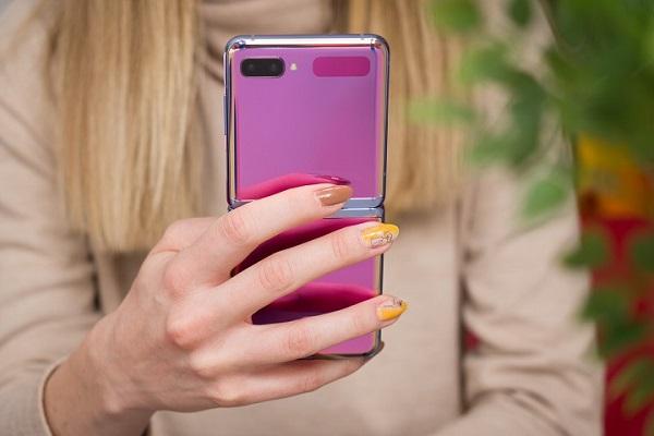 Ở Hàn Quốc, điện thoại Samsung dành cho bố mẹ còn giới trẻ lại thích iPhone