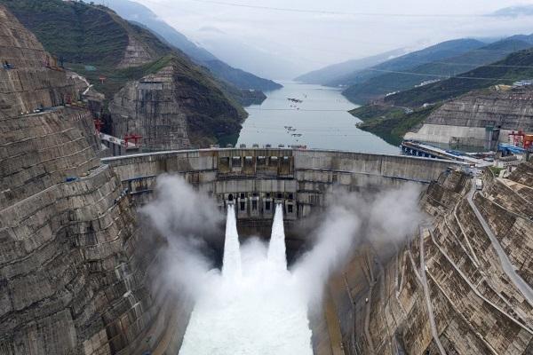 Ở Trung Quốc, lên mạng rao bán cả nhà máy thủy điện