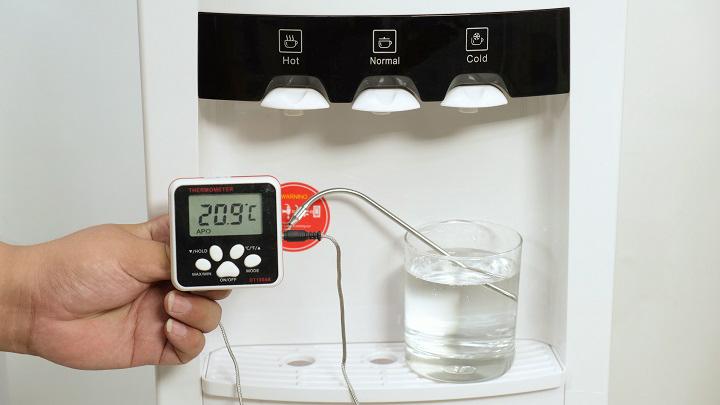 Trải nghiệm cặp đôi cây nước nóng lạnh Fujihome WD5320E và WD5510E: Khả năng làm mát sâu là điểm nhấn - VnReview 2020 13