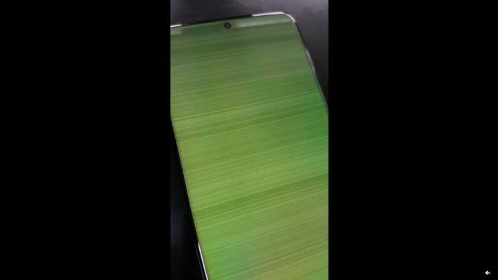 Galaxy S20 bị lỗi màn hình xanh hàng loạt giống Galaxy Note 9