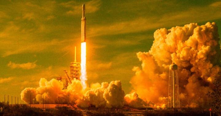 Cuộc đua không gian của các tỷ phú có thể làm trầm trọng thêm vấn đề ô nhiễm