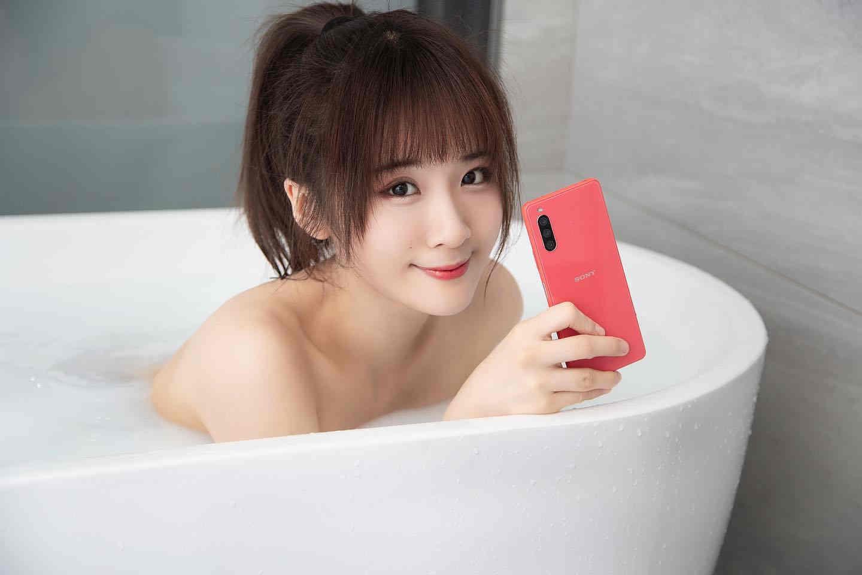 Không như LG hay Blackberry, điện thoại Sony đang trở lại mạnh mẽ