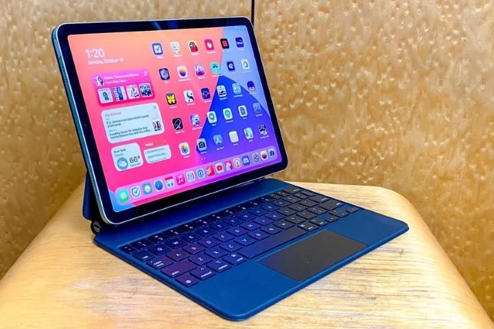 Muốn biết iPad thay thế được laptop không, tôi đã trả 1.000 USD 'học phí'