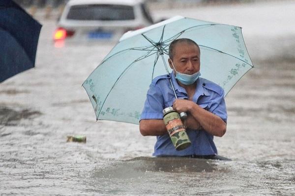 Lũ lụt tại Trịnh Châu khiến hàng ngàn công nhân Foxconn phải nghỉ việc