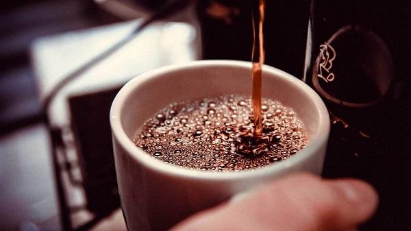 Uống nhiều cà phê có thể gây hại cho não