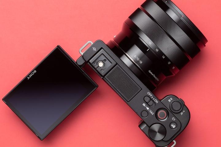 Sony trình làng ZV-E10, chiếc máy ảnh hướng đến mục đích quay vlog 4K, giá 18,9 triệu đồng