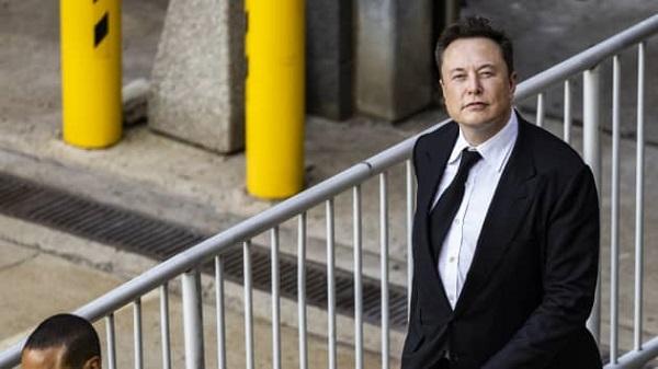 "Elon Musk hai lần liền ""đá đểu"" Apple"