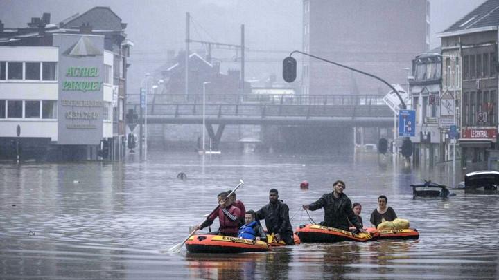 Lũ quét nhiều nơi là minh chứng cho tác động khủng khiếp của biến đổi khí hậu