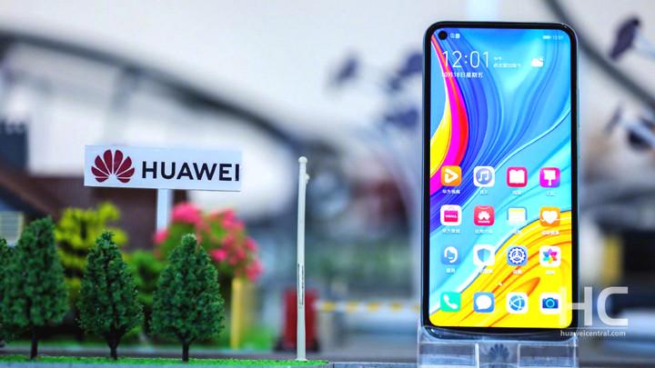Đen như Huawei: Doanh số tụt thê thảm ngay tại quê nhà, văng khỏi top 5