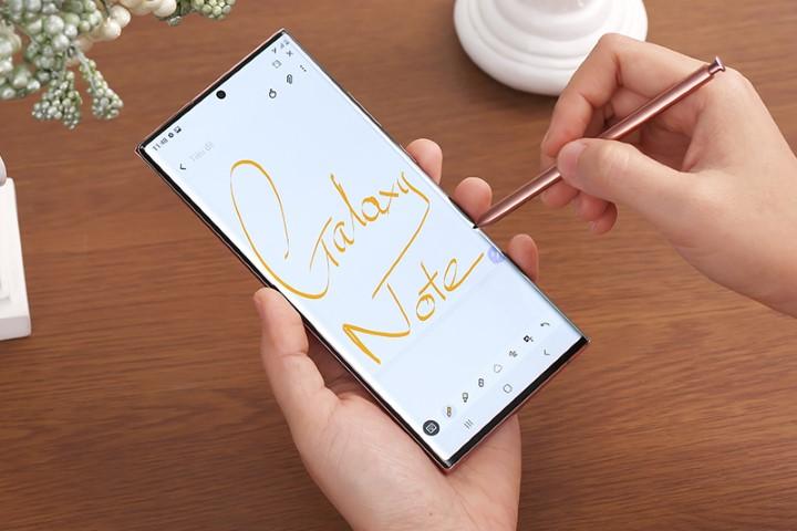 Fan kêu gọi Samsung ra mắt Galaxy Note mới thay vì Galaxy S22 trong năm sau