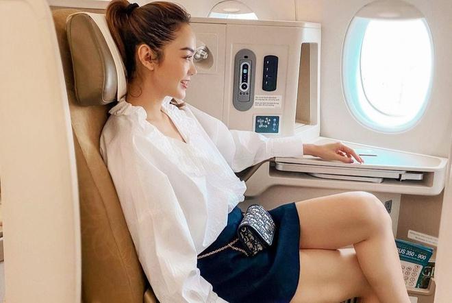 Vì sao không nên mặc quần đùi khi đi máy bay?