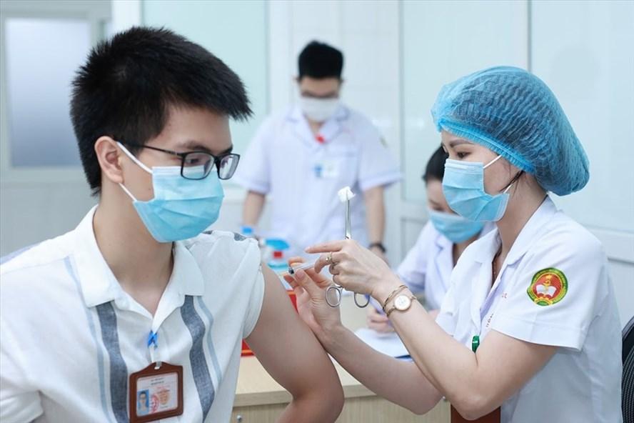 Tiến độ tiêm vaccine COVID-19 ở Việt Nam, 40 tháng nữa mới tiêm xong cho 70 triệu dân?