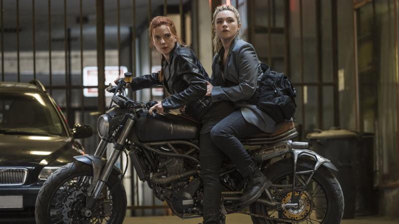 """Thêm tiếng nói ủng hộ Scarlett Johansson, chỉ trích Disney """"miệt thị giới tính"""""""
