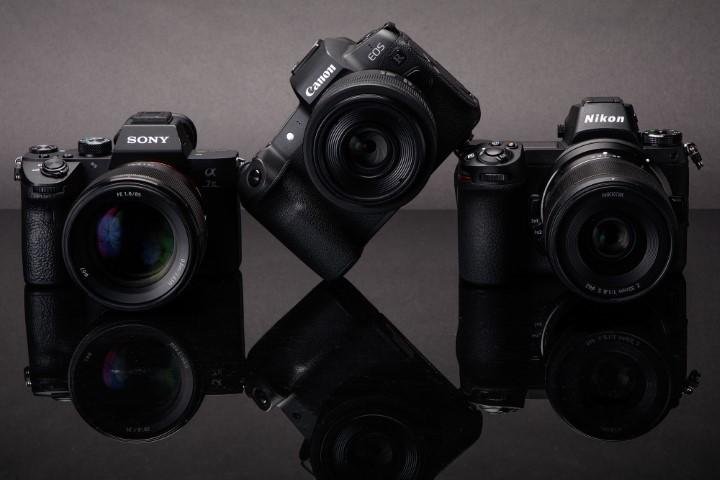 Canon và Sony chiếm tới 70% thị phần máy ảnh năm 2020, Nikon bị bỏ lại
