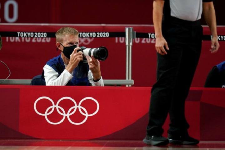 """Nhiếp ảnh gia tại Olympic Tokyo: """"Tôi cảm giác máy ảnh DSLR sẽ biến mất trong tương lai"""""""