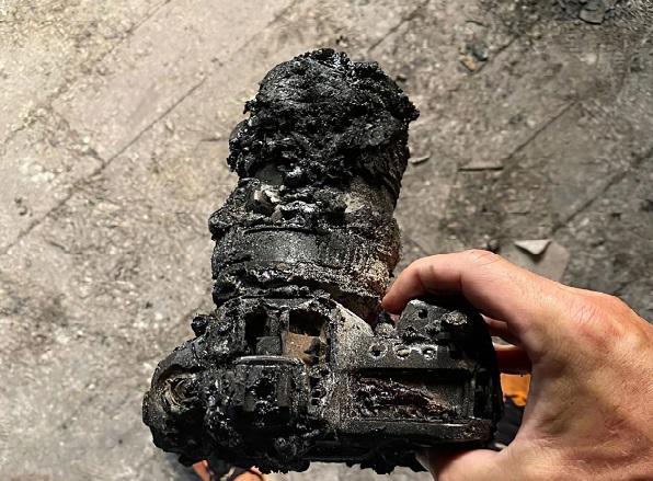 Nhiếp ảnh gia mất sạch đồ nghề và sản phẩm sau 25 năm vì một cơn hỏa hoạn