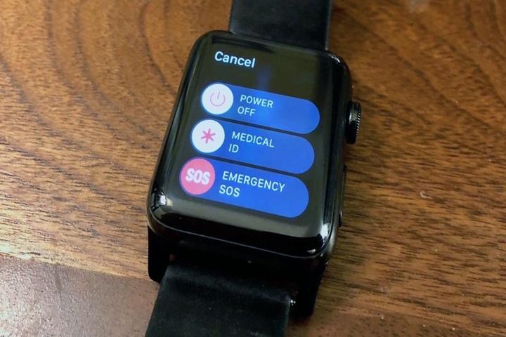 Apple Watch giúp một người phụ nữ ngăn chặn cướp có vũ trang