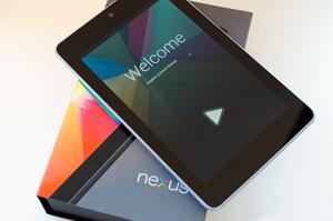 """Google Play """"cháy"""" hàng Nexus 7 16GB"""