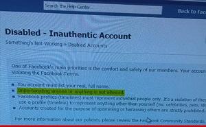 Facebook khoá tài khoản Selena Gomez