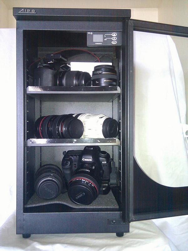 Tủ chống ẩm cho máy ảnh