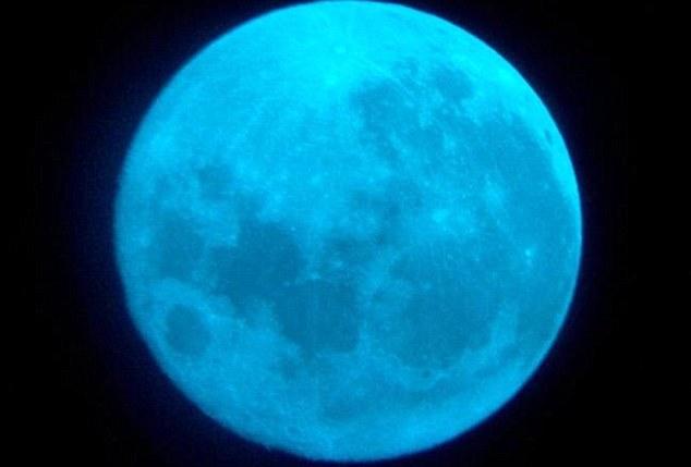 Trăng xanh là gì? Mặt trăng có màu xanh thực sự?
