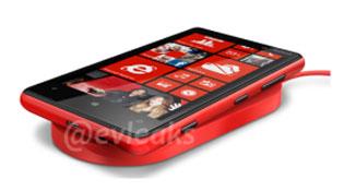 Nokia Lumia 920 và 820 có thể sạc không dây