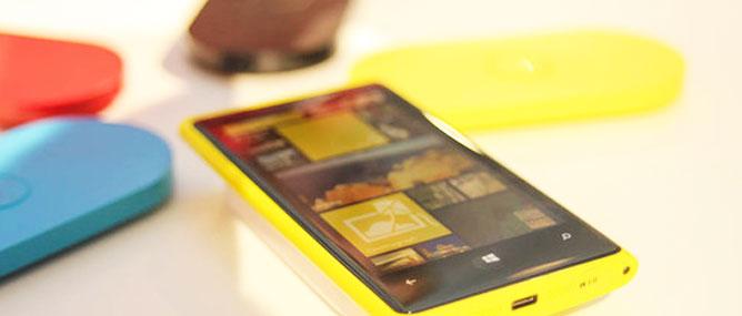 Vì sao sản phẩm mới Nokia, Motorola không gây ấn tượng?
