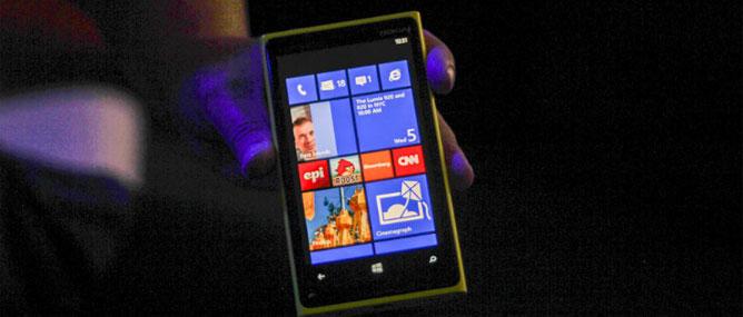 Nokia lại xin lỗi về quảng cáo Lumia 920