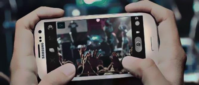 Chụp ảnh bằng giọng nói với Samsung Galaxy S III