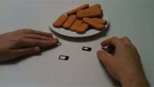 Đã có adapter chuyển đổi Nano-SIM thành SIM thường hoặc Micro-SIM