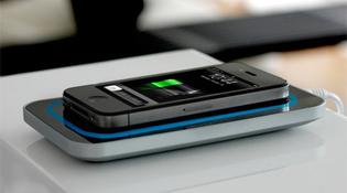 Tại sao iPhone 5 không có sạc không dây?
