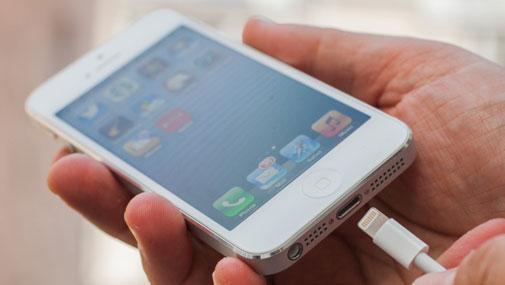 Người đặt mua iPhone 5 bị chậm giao hàng 3-4 tuần