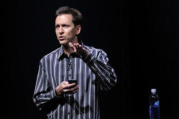 Apple sa thải thân tín của Steve Jobs