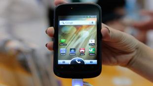 Smartphone hai SIM Viettel V8403 giá 1,5 triệu đồng