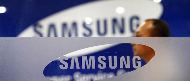 Apple phải xin lỗi lại Samsung một cách tử tế