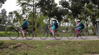 Bangladesh đưa Internet về làng bằng xe đạp