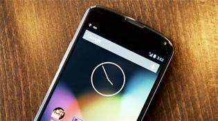 Google Nexus 4 cháy hàng ở Mỹ và châu Âu