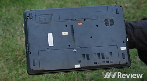 Acer Aspire E1-571G 001