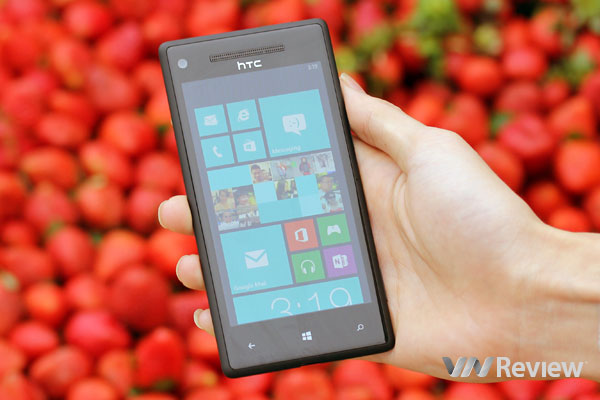 HTC 8X hạ giá thấp kỉ lục