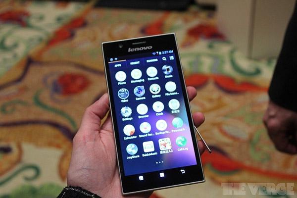 Cận cảnh Lenovo IdeaPhone K900: 5.5 inch, Atom lõi kép