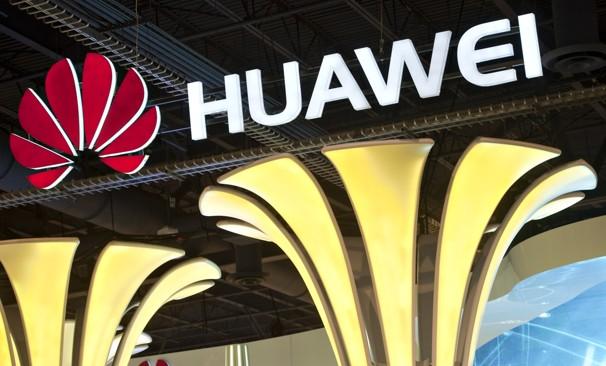 Điện thoại Huawei G520 lõi tứ giá chỉ 225 USD