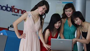 """MobiFone bị thổi còi vì """"mua"""" quyền xả SMS quảng cáo"""