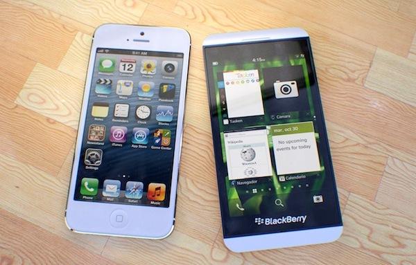 Video so sánh iPhone 5 và BlackBerry Z10