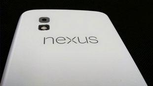 Smartphone Google Nexus 4 màu trắng vừa rò rỉ