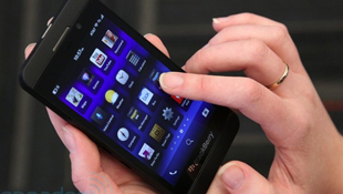 BlackBerry Z10 được rao bán đến 1.775 USD trên eBay