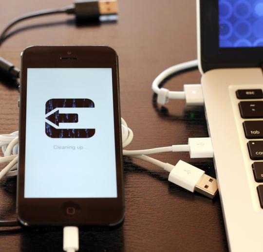 Apple cảnh báo người dùng về việc jailbreak