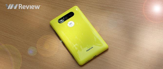 Trên tay Nokia Lumia 820 chính hãng