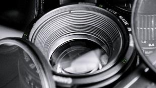 HTC One có thể tương thích với ống kính DSLR Canon