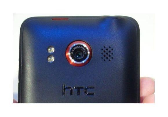 """Camera """"siêu khủng"""" sẽ không giúp được HTC và Nokia"""