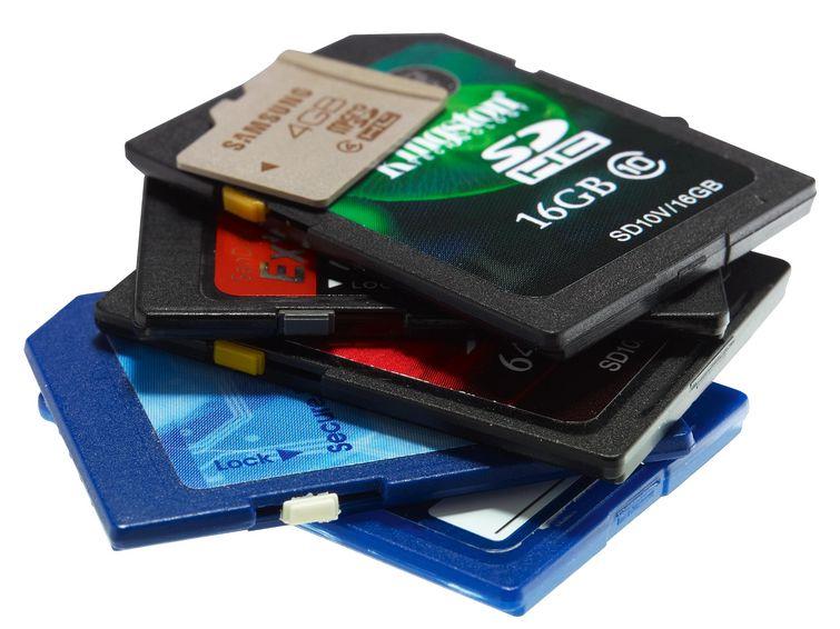 Máy ảnh có cần thẻ nhớ SD tốc độ cao?